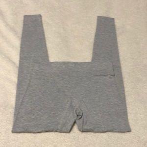 EUC Gap small light gray leggings